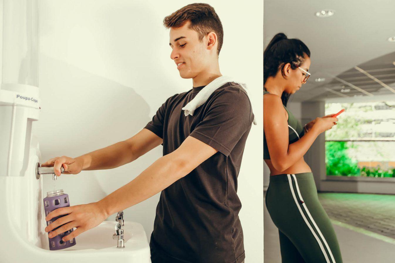 Como escolher o bebedouro para academias?